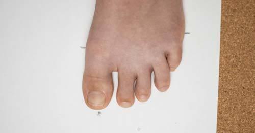 feet-on-paper