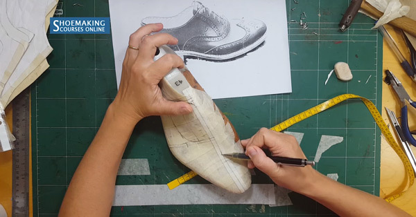 drawing the shoe pattern