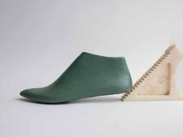 plastic shoe last