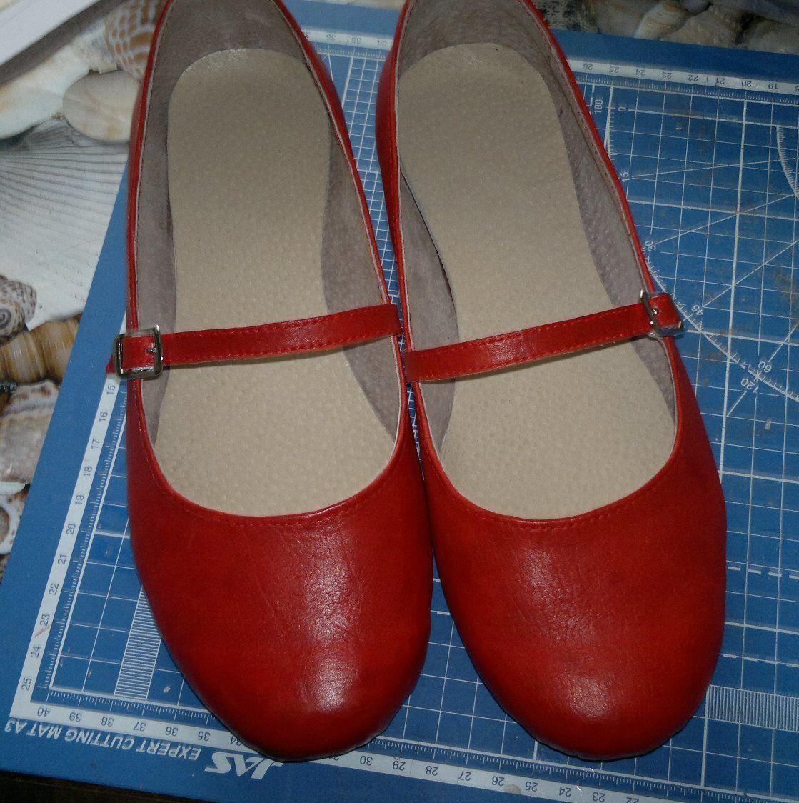 red flat ballet