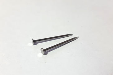 Shoemaking-long-nails-for-lasting-2