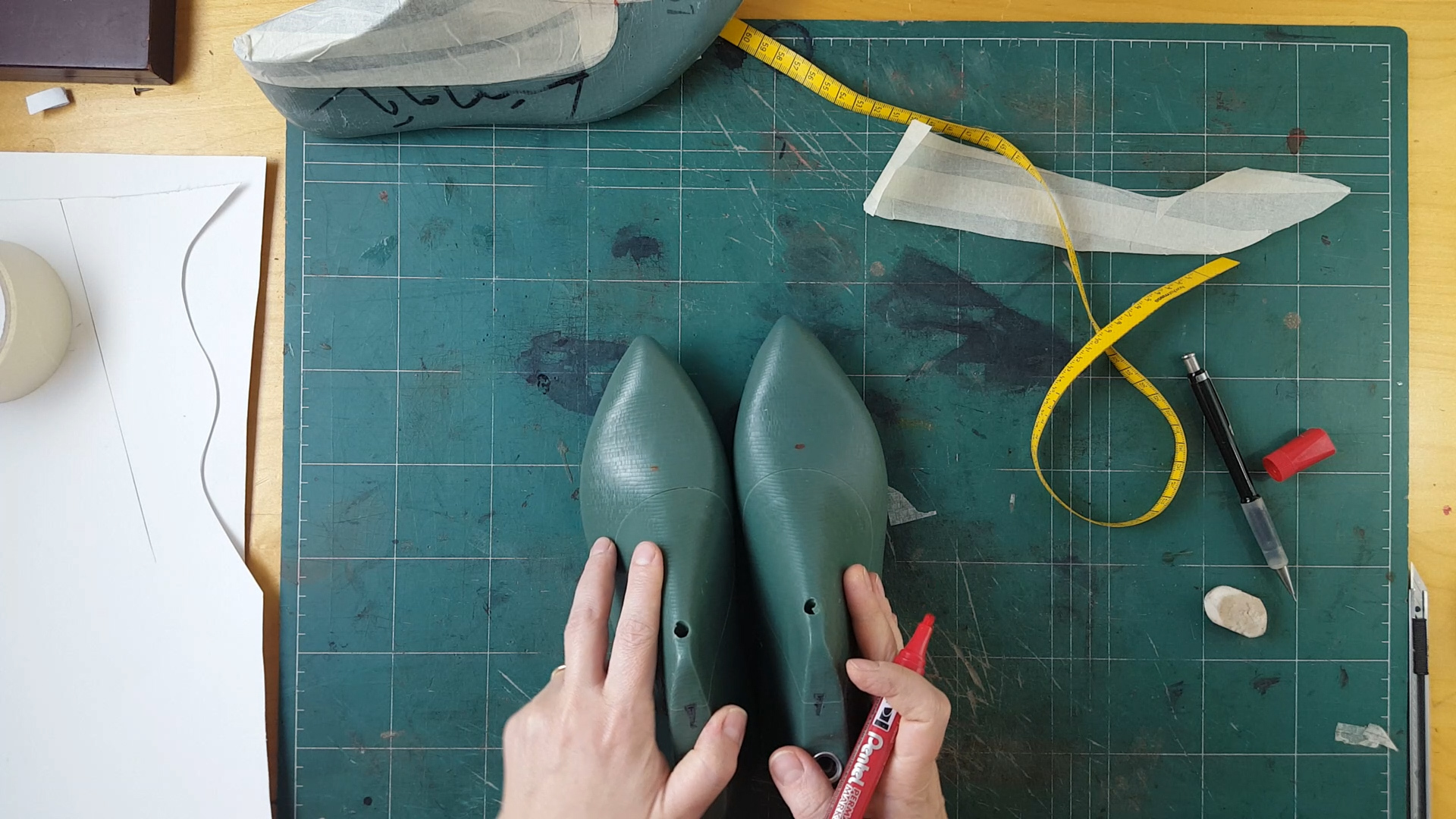 points on the shoe lasts for lasting of the flat ballet shoe upper