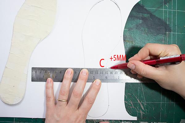 Add 5 mm outside sockliner pattern