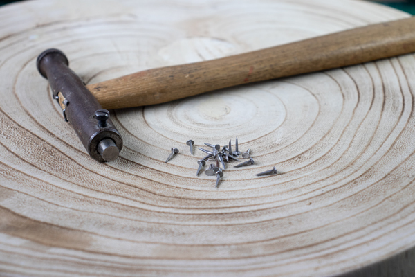 magnetic hammer and nails for shoe pattern making