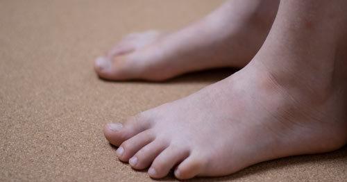 feet-on-the-floor