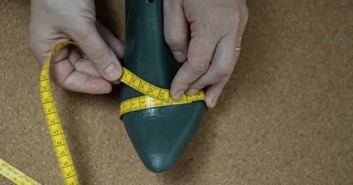 measuring-shoe-last-width